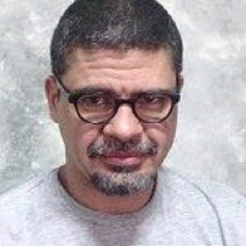 Carlos Tabares
