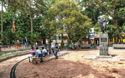 Alcaldía El Hatillo / Plaza Bolívar